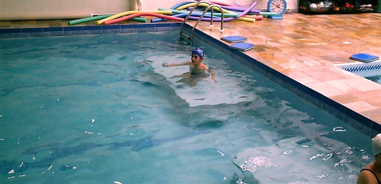 plataforma para fundo de piscina Actual medida 2x1 na piscina