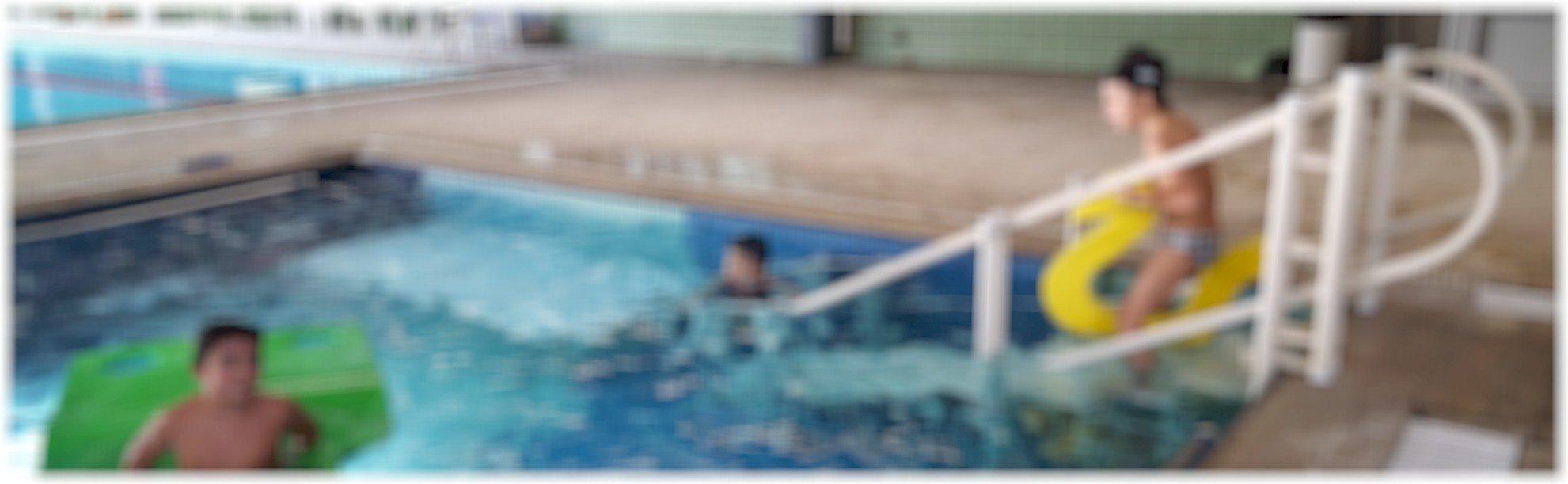 plataforma fundo de piscina e escada de acessibilidade Actual 2