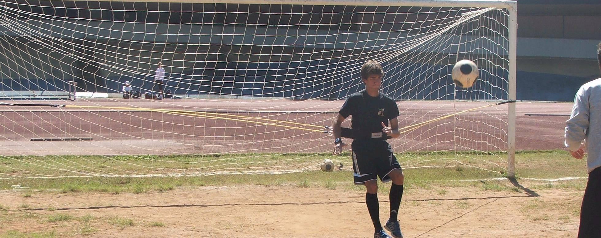 Cinto de tração lateral Actual em uso no gol