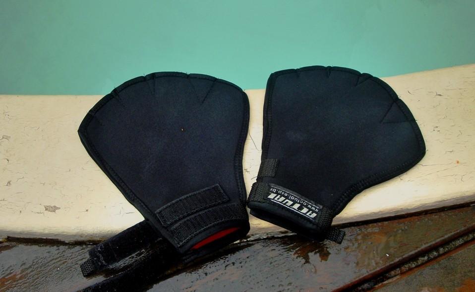 Luvas para hidroginástica e natação