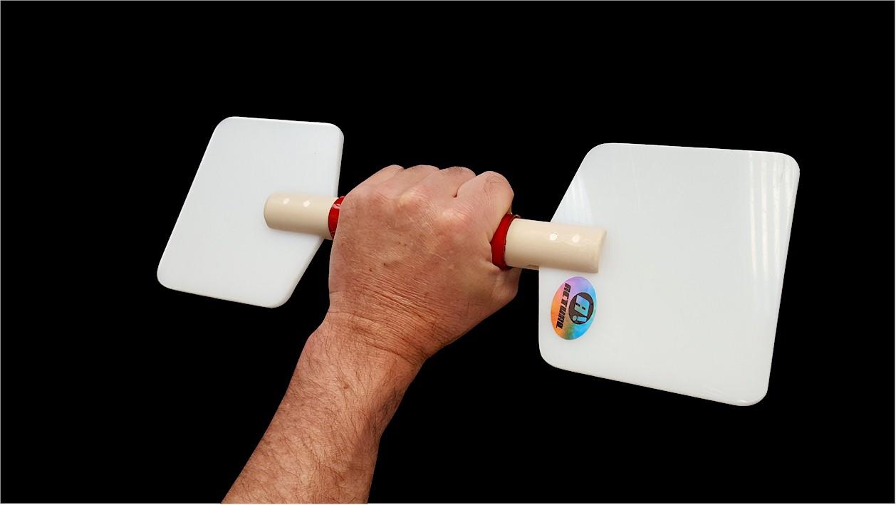remo de hidroginástica na mão do usuário