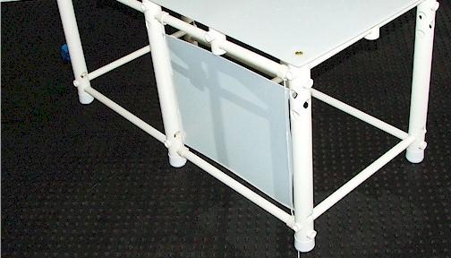 plataforma com placa de proteção lateral