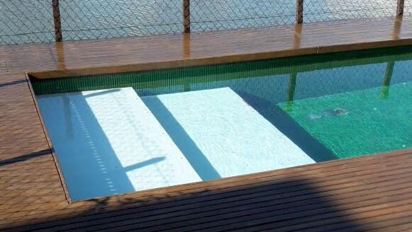 praia em dois estágios em piscina