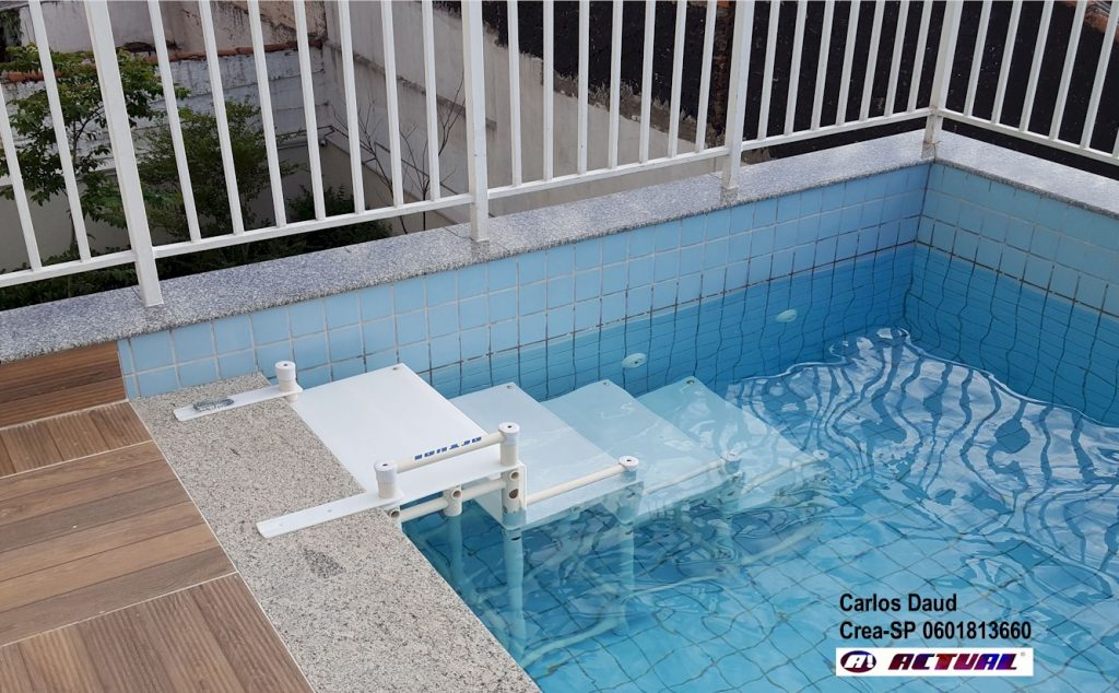 escada NBR9050-2015 Actual na piscina
