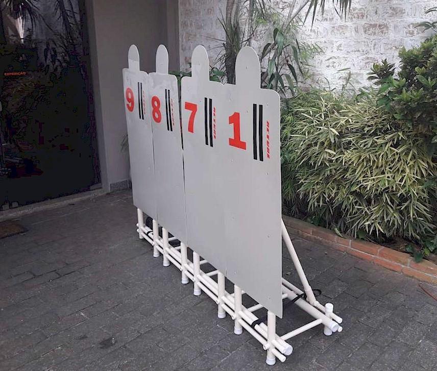 bonecos de faltas em carrinho, dimensionado para treino com crianças - altura de 165cm